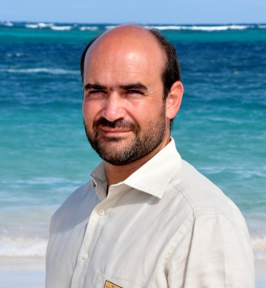 Ricardo Domínguez is our Managing Director. He enjoys golfing and scuba diving.