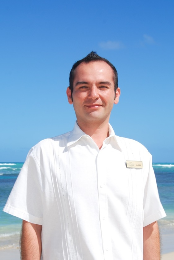 Meet Ulises Guzmán, our Resident Manager. Mr. Guzmán loves Mexican food and beach sports.
