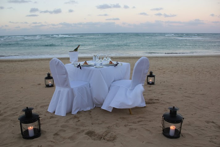 A romantic dinner for two creates the perfect Valentine's Day ambiance at Breathless Punta Cana Resort & Spa!