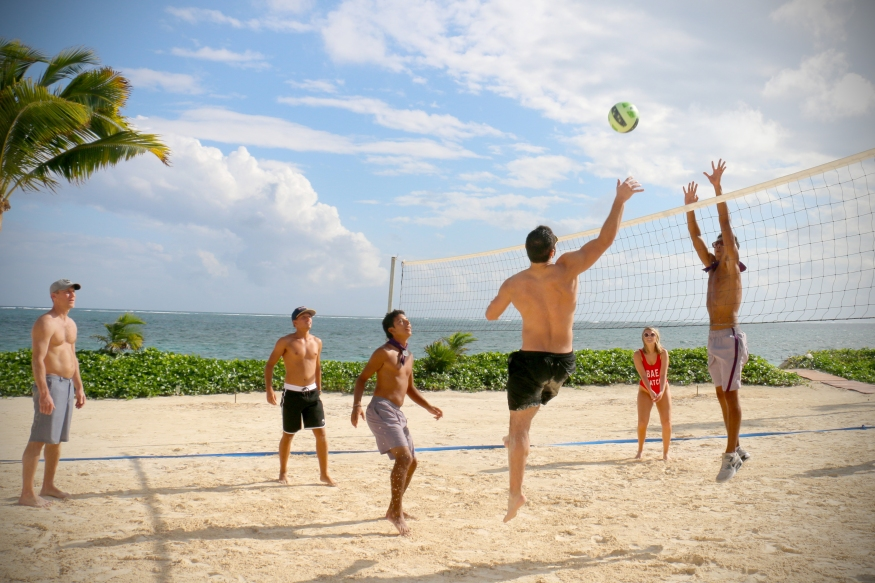 Breathless_Riviera_Cancun_Resort_&_Spa_Beach_Volley_1