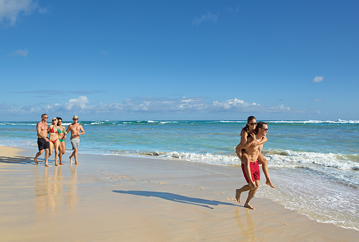 BREPC_3Couples_Beach1_1.jpg